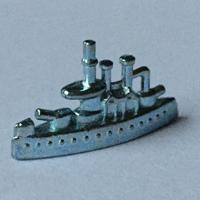 Kriegsschiff als Monopoly Spielfigur